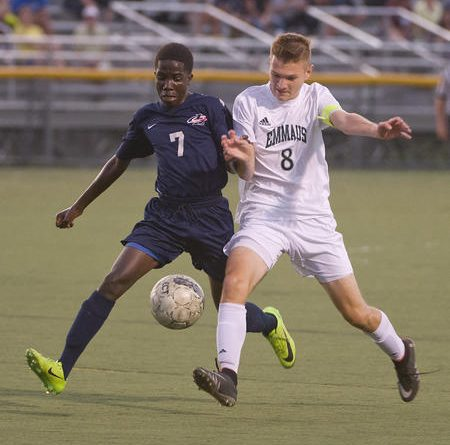 Boy's soccer takes on Parkland for district title