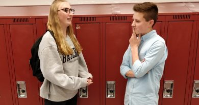 EHS seniors reflect, give advice to underclassmen