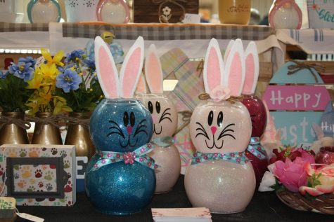 Venders sold various Easter decorations at Lehigh Valley Mall's Easter Craft & Vendor Show. Photo by Laryssa White.